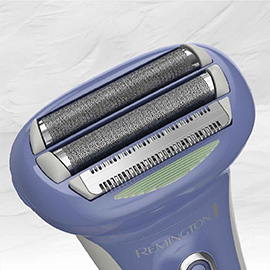 remington smooth glide rechargeable shaver showing optimal angle head wdf5030