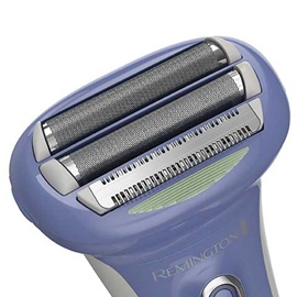 remington smooth glide rechargeable shaver close up angle wdf5030