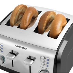 4-Slice Toaster with crumb tray Black and Decker