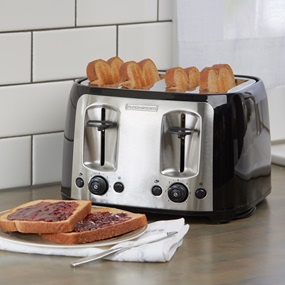 TR2478BD with toast on counter