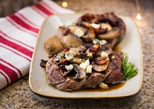 Tenderloin Steak with Mushrooms and Blue Cheese