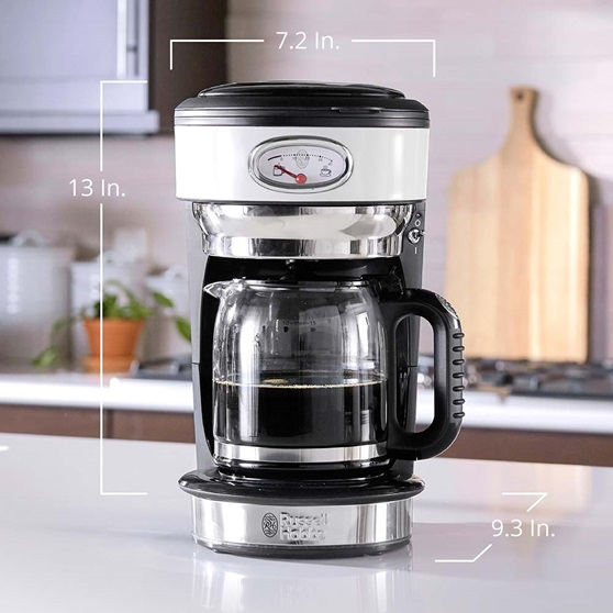 CM3100WTR Retro Style Coffeemaker in White - Product Scale Image